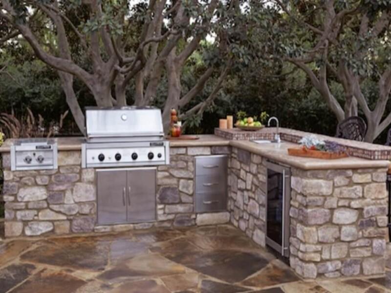 Eldorado Stone L-Shaped Outdoor Kitchen