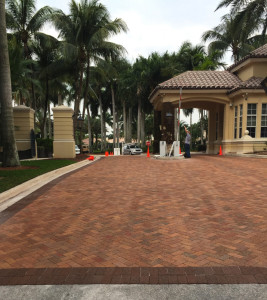 BA Mizner Clay Paver with Cocoa Border